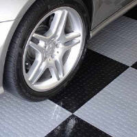 garage-flooring-black-whte